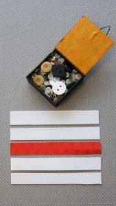 Matériel pour des castagnettes: du carton et des boutons